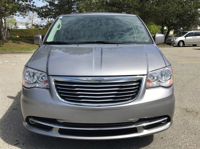 2014 Chrysler Town & Country in Langley, British Columbia