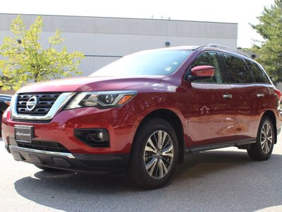 2017 Nissan Pathfinder in Langley, British Columbia