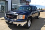 This Blue 4 door SLT Pickup features  a 6 Spd Automatic transmission, a  5.3L  V 8 engine, and has 87743 kilometres on it.