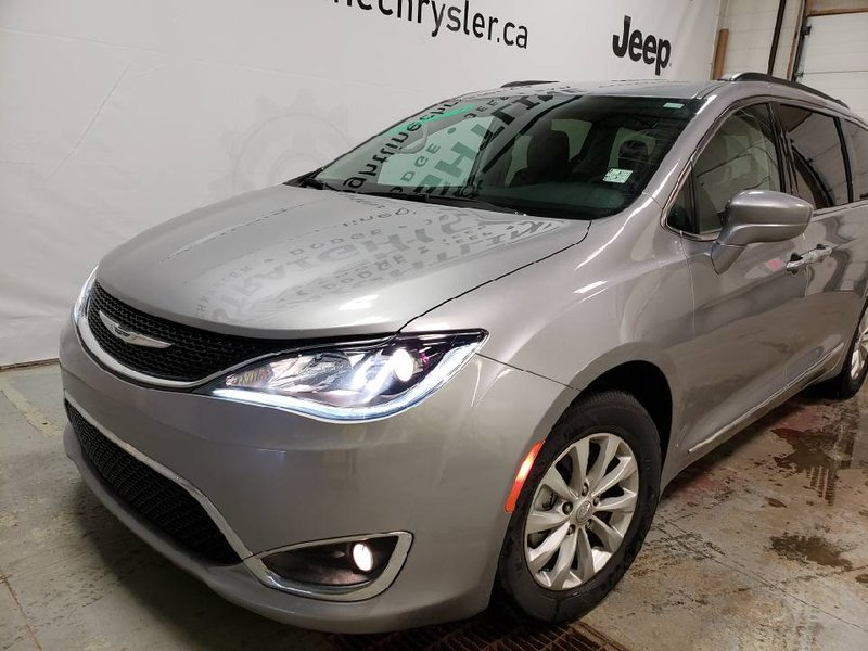 2017 Chrysler Pacifica for sale in Fort Saskatchewan, Alberta