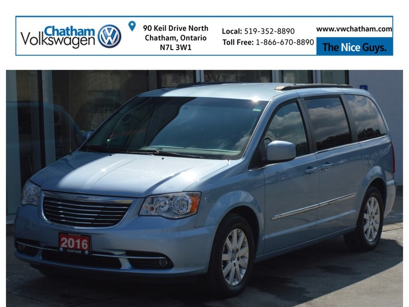 2016 Chrysler Town & Country for sale in Chatham, Ontario