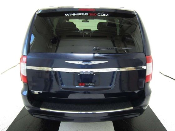 2016 Chrysler Town & Country for sale in Winnipeg, Manitoba