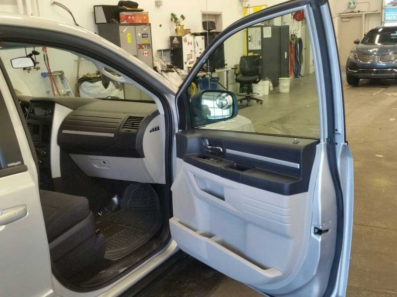 2010 Dodge Grand Caravan for sale in Calgary, Alberta